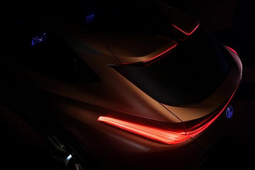 Fotografía cedida hoy, 5 de diciembre de 2017, que muestra el prototipo LF-1 Limitless de Lexus. La marca de la gama de Toyota anunció hoy que revelará en el Salón Internacional del Automóvil de Norteamérica (NAIAS), que se celebrará en enero en Detroit (Michigan), un nuevo prototipo de todocaminos SUV de lujo. EFE/Toyota/SOLO USO EDITORIAL/NO VENTAS