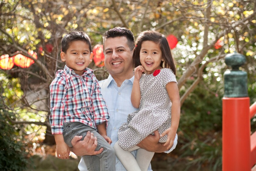 Arvizu y sus gemelos los gemelos Nicolás y Carina
