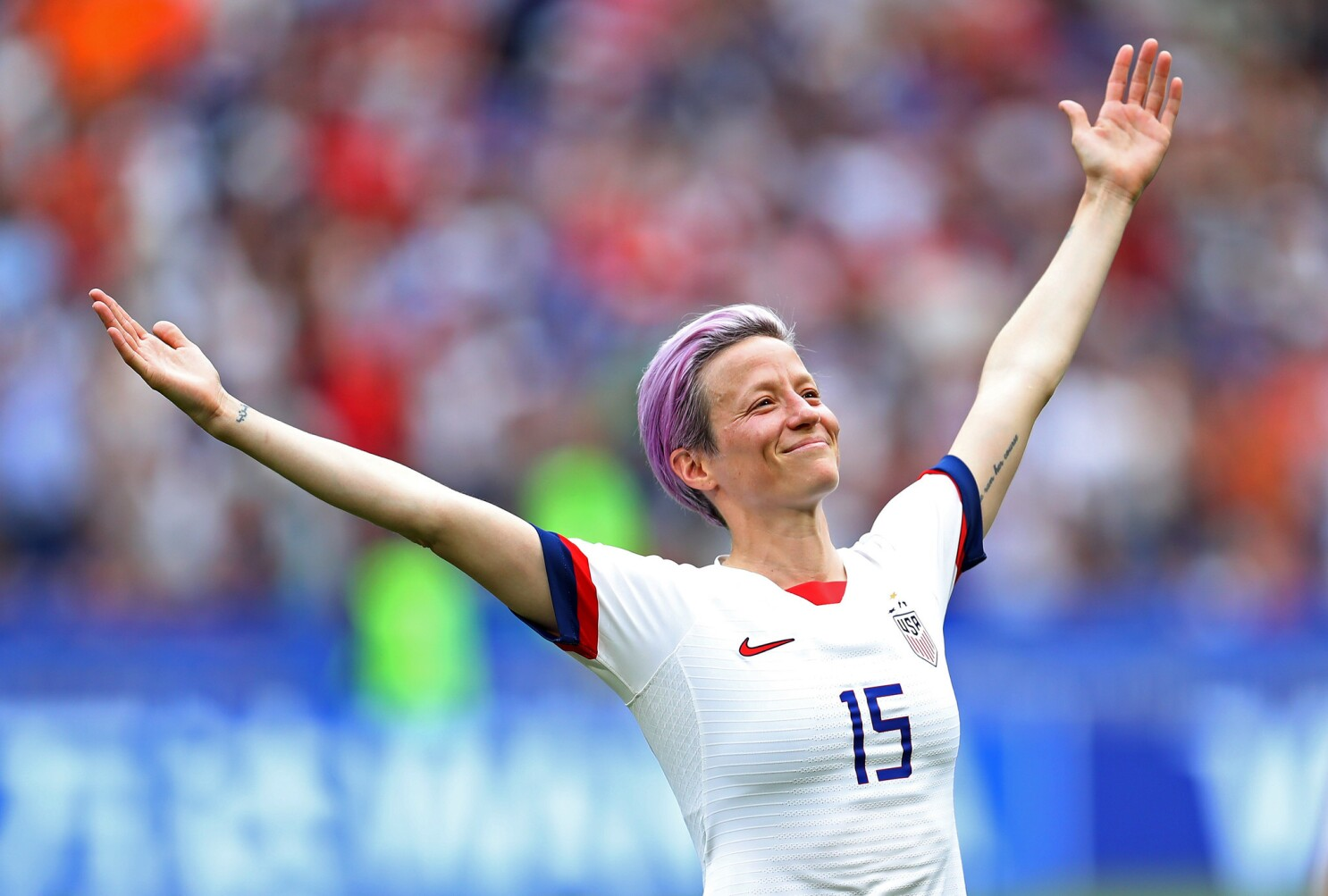 Column: Winged victory: Megan Rapinoe's post-goal pose stood for more than  just another World Cup win - Los Angeles Times