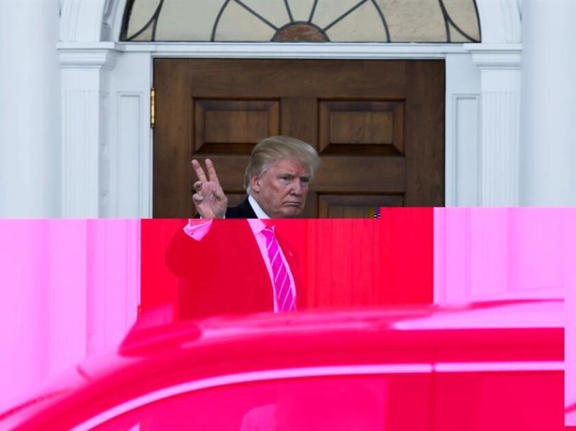 El presidente electo, Donald Trump, rechazó hoy que el ciberespionaje que se produjo durante los últimos comicios haya afectado al resultado electoral, aunque reconoció que Rusia y China pueden estar detrás de esas acciones. EFE/ARCHIVO