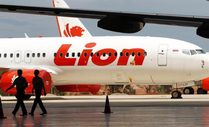 According to media reports on 29 October 2018, Lion Air flight JT-610 lost contact with air traffic controllers soon after takeoff from Soekarno airport, then crashed into the sea. The flight was en route to Pangkal Pinang, and reportedly had 189 people onboard. EFE/EPA/FILE