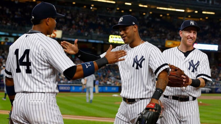 05c1335fe43a MLB: Fan at Yankee Stadium ejected for yelling pitch location - Los ...