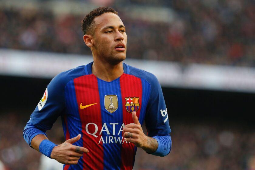 El jugador brasileño Neymar, durante un partido con el FC Barcelona celebrado en el estadio Camp Nou de la ciudad condal española.