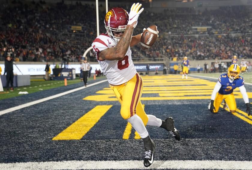 USC wide receiver Michael Pittman Jr. catches a touchdown pass in front of California cornerback Elijah Hicks.