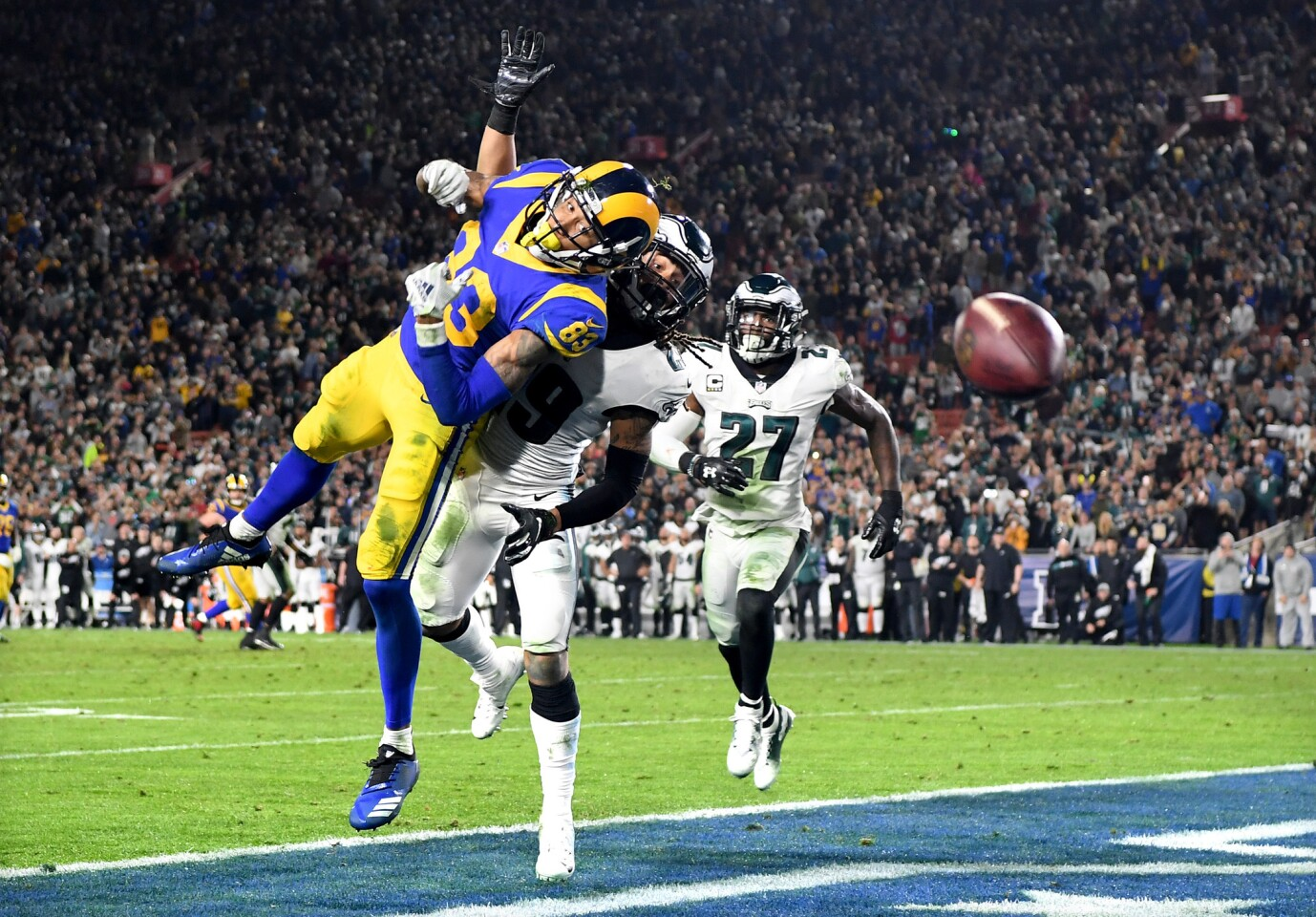 Rams receiver Josh Reynolds can't make the catch on the game's final play.