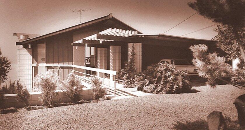 Loch and Clare Crane residence on Avenida Chamnez in La Jolla, designed by Frank Lloyd Wright's apprentice, architect Loch Crane (1962).