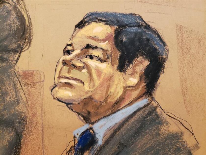 """Reproducción fotográfica de un dibujo realizado por la artista Jane Rosenberg donde aparece el narcotraficante mexicano Joaquín """"El Chapo"""" Guzmán, durante su comparecencia en el tribunal del Distrito Sur en Brooklyn, Nueva York (EE.UU.). EFE/Archivo"""