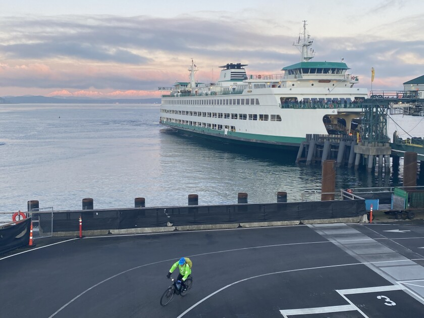 Seattle bicycle commuter rides from ferry