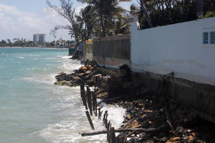 Piden certificado de emergencia para zona norte de P.Rico por erosión costera
