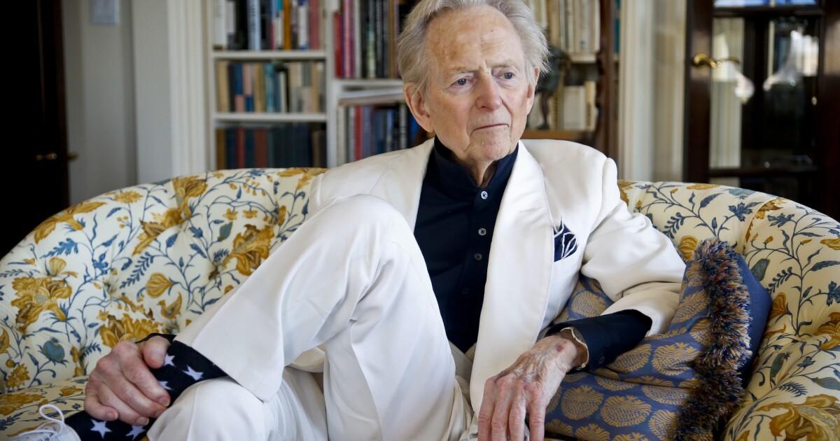 Tom Wolfe, novelist and pioneer of New Journalism, dies at