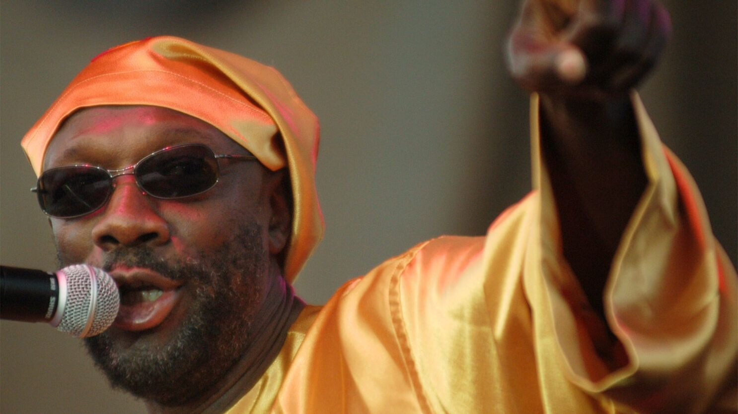 From The Archives Singer Songwriter Isaac Hayes Dies At 65 Los Angeles Times