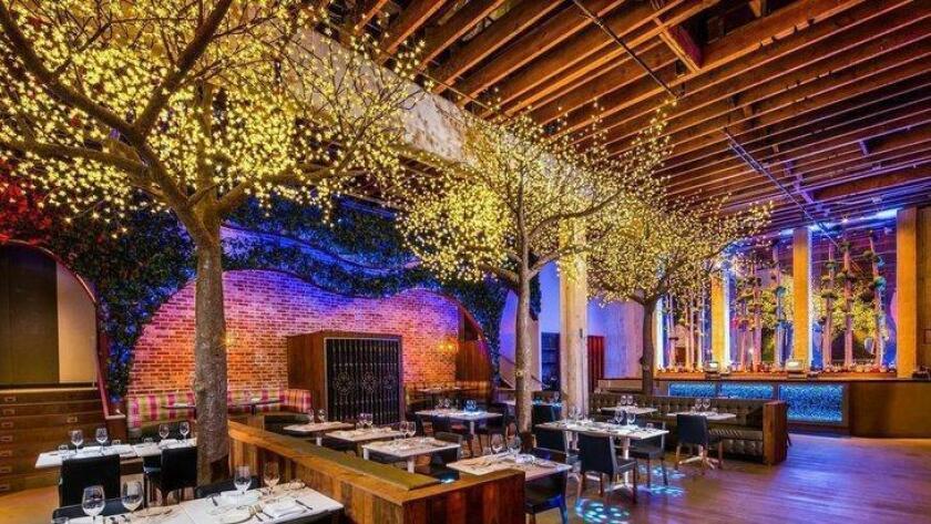 pac-sddsd-the-interior-of-parq-restauran-20160820