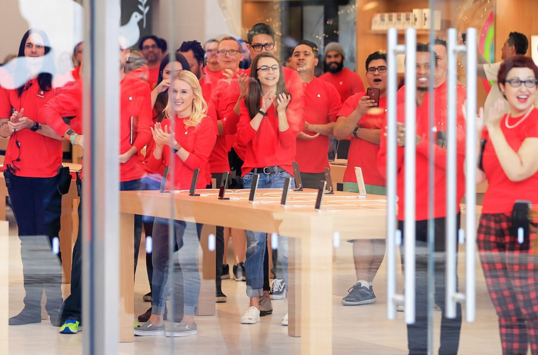 The New Apple Store at UTC