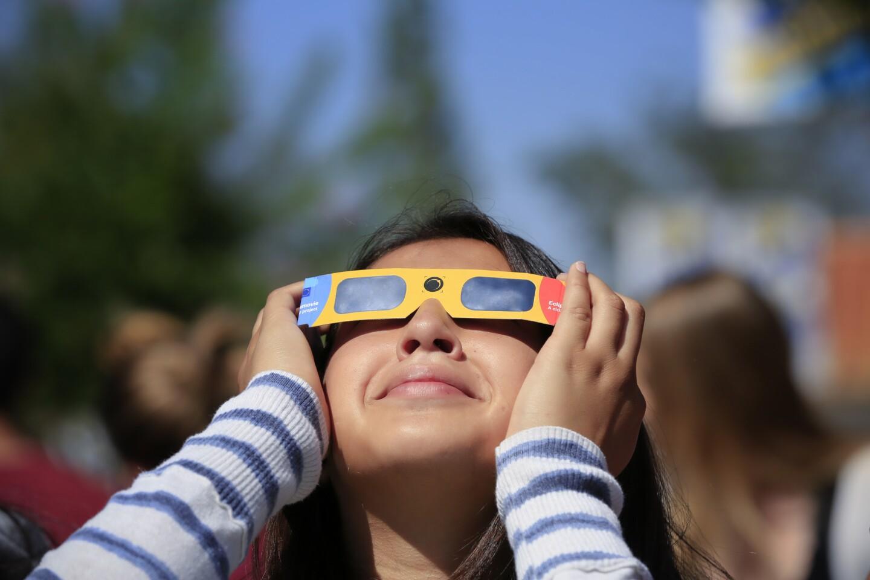 Solar eclipse 2017 at San Pasqual High School