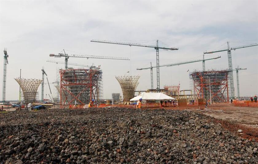 Fotografía de archivo del 2 de noviembre de 2018, de los adelantos de lo que sería la construcción del nuevo aeropuerto, en Texcoco, Ciudad de México (México). EFE/Archivo