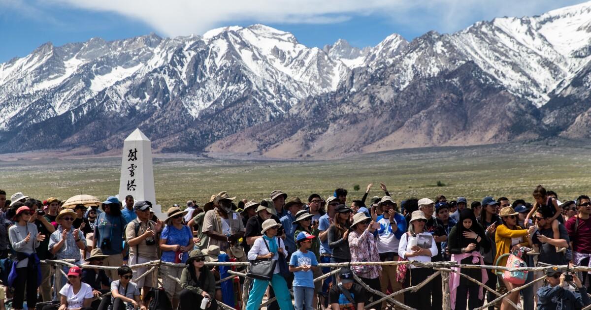 www.latimes.com: Manzanar pilgrimage takes on broad themes of democracy, civil rights