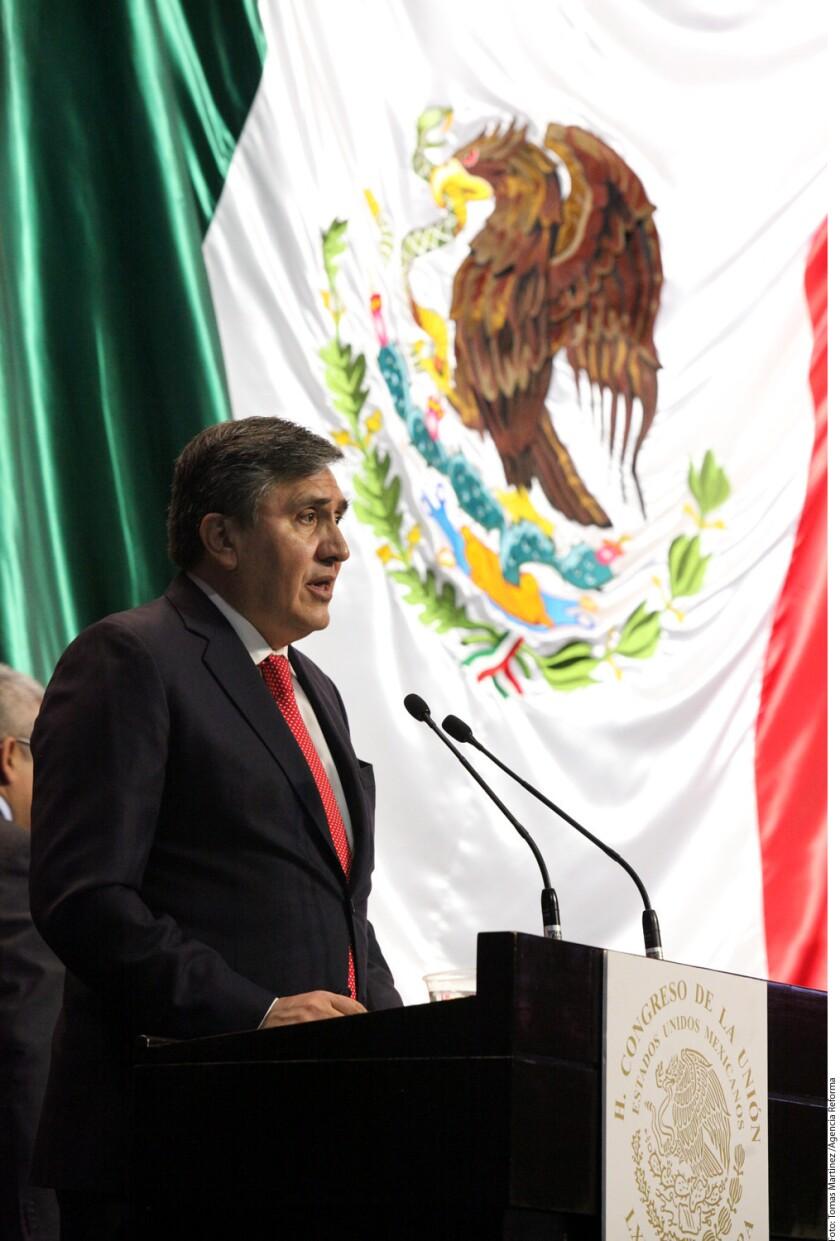 En un comunicado, la CNDH informó que el Ombudsman, Luis Raúl González Pérez, envió cartas al Relator Especial de Naciones Unidas sobre los Derechos Humanos de los Migrantes, Francois Crépeau, y al presidente del Grupo de Trabajo sobre Detenciones Arbitrarias de la ONU, Setondji Roland Adjovi.