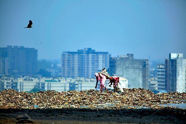 New Delhi's 'trash mountain'
