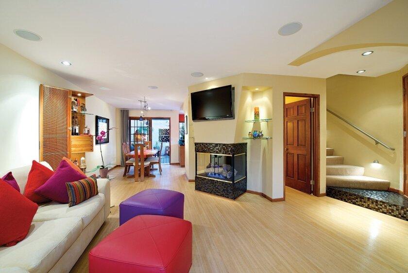 8638-Villa-La-Jolla-Drive-4-living