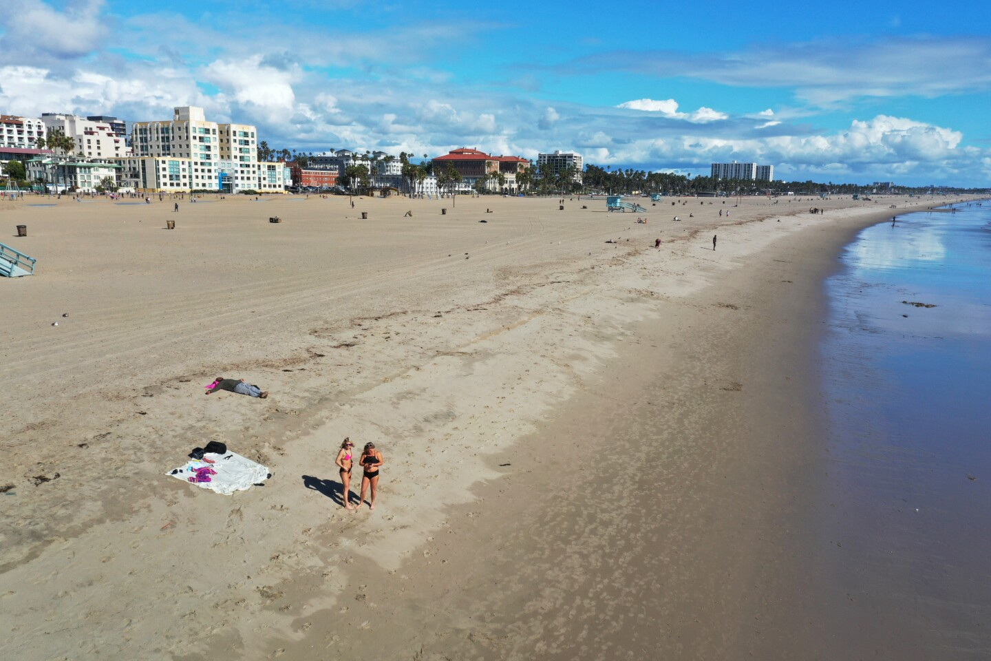 The City of Santa Monica closed the Santa Monica Pier in an attempt to prevent the further spread of the Coronavirus. Very few people were on the beach in Santa Monica as the epidemic continues to be a problem.