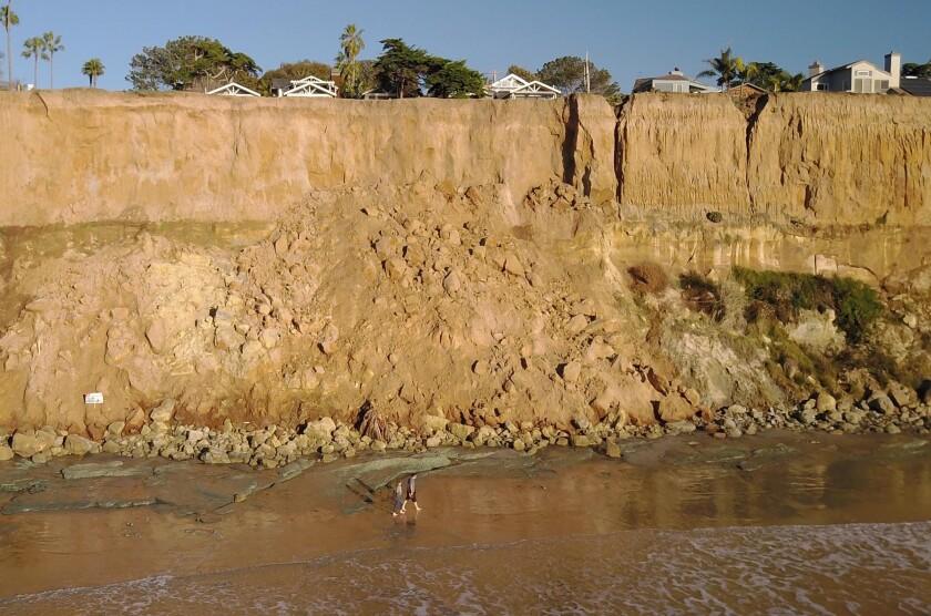 Coastal erosion in Del Mar