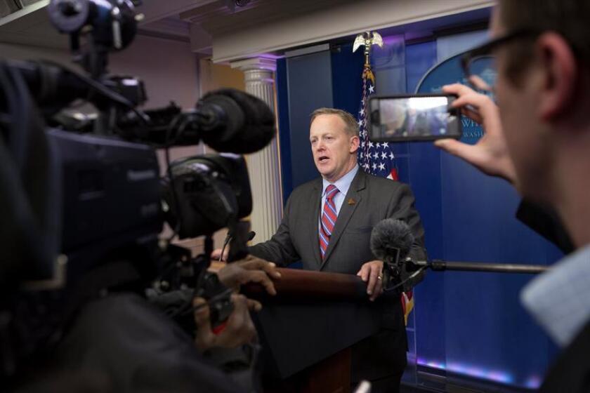 """El nuevo presidente de EE.UU., Donald Trump, visitará hoy la CIA para """"agradecer"""" al personal de los servicios de inteligencia del país, según adelantó el portavoz de la Casa Blanca, Sean Spicer. EFE/ARCHIVO/POOL"""