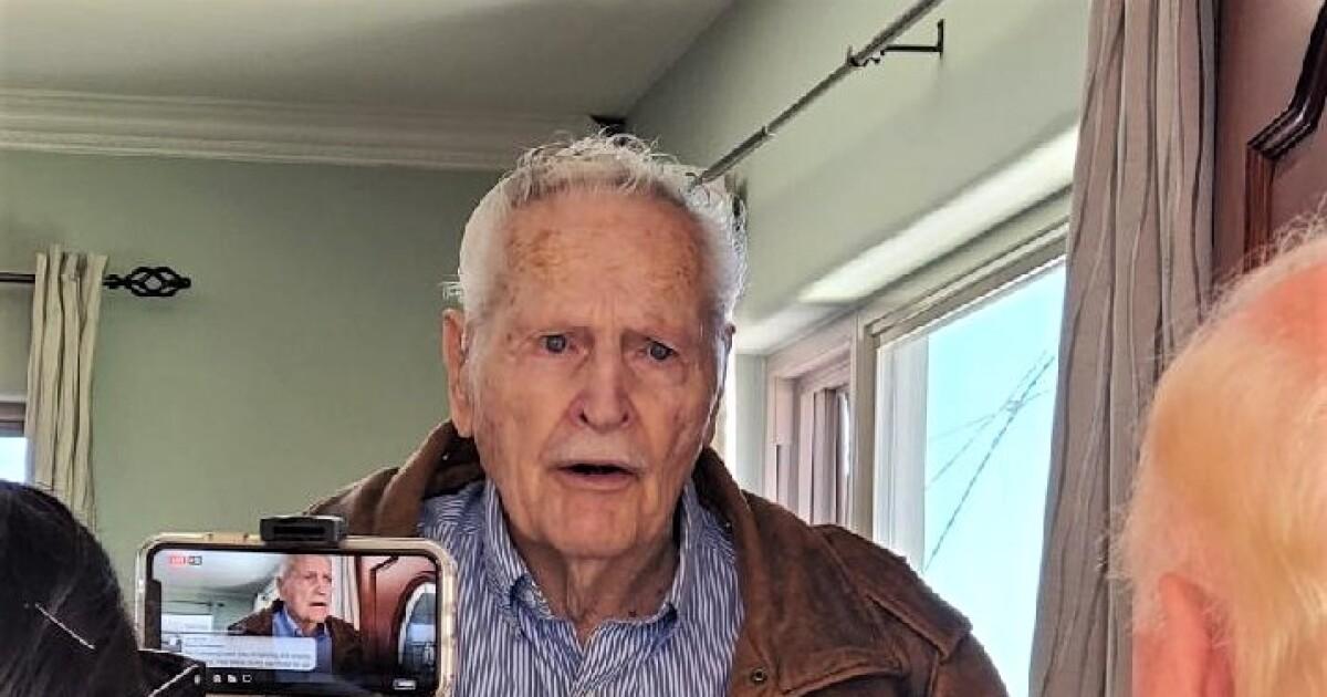 Column: Honor Flight finds a way to appreciate U.S. veterans at home