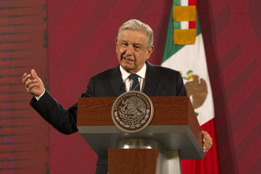 El presidente mexicano Andrés Manuel López Obrador da su conferencia de prensa