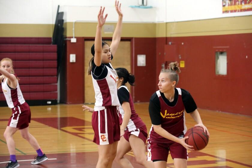 tn-gnp-sp-glendale-community-college-womens-basketball-20191030-5.jpg