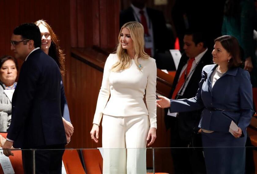 Ivanka Trump (c), hija y asesora del presidente estadounidense Donald Trump, asiste a una sesión del Congreso para la investidura de Andrés Manuel López Obrador en Ciudad de México (México).EFE/Archivo