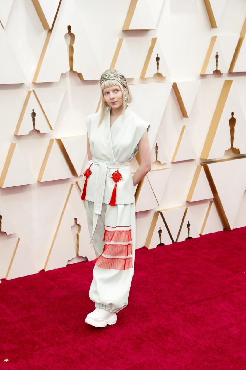 488152_ET_Oscars_Arrivals_JLC_1308-738181-738222.jpg