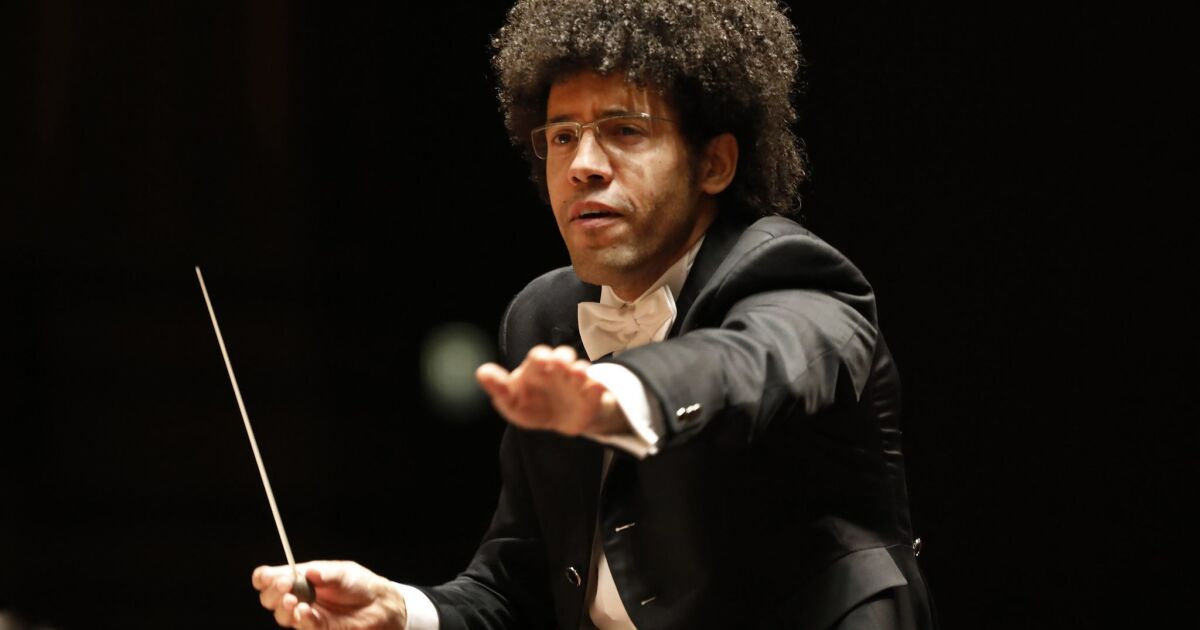 Review: Rafael Payare leads San Diego Symphony in a triumphant Shostakovich Eleventh Symphony