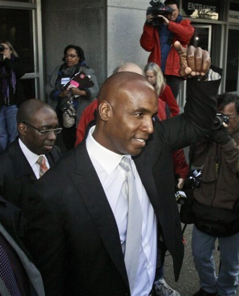 Barry Bonds leaves the federal courthouse after the first day of his perjury trial in San Francisco, Monday, March 21, 2011. (AP Photo/Marcio Jose Sanchez)