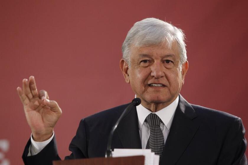 El presidente de México, Andrés Manuel López Obrador, ofrece una rueda de prensa, al término de la reunión con el gabinete de seguridad hoy en Ciudad de México (México). EFE/Archivo