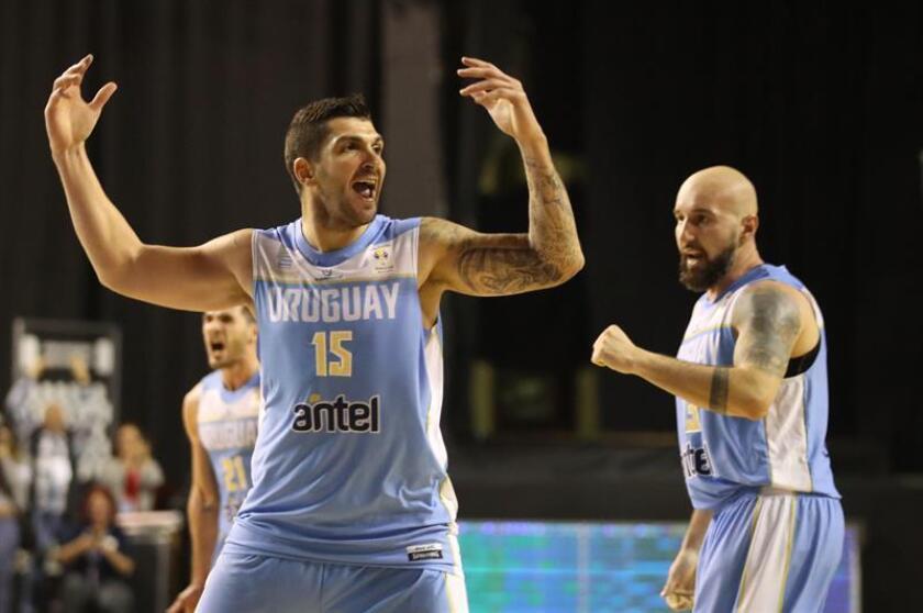 El deportista uruguayo Esteban Batista (i). EFE/Archivo