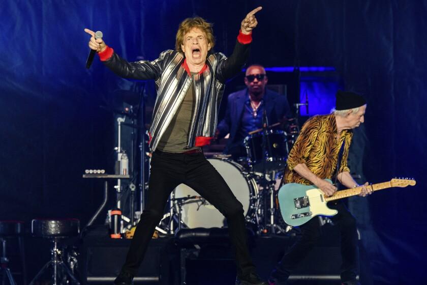 De izquierda a derecha Mick Jagger, Steve Jordan y Keith Richards, de los Rolling Stones,