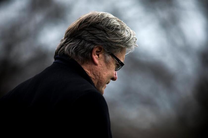 """Steve Bannon, último asesor de campaña del presidente, Donald Trump, y exestratega jefe de la Casa Blanca, renunció hoy como director del medio ultraconservador """"Breitbart News"""" después de haber sido objeto de las iras del mandatario en las últimas fechas. EFE/EPA/ARCHIVO"""