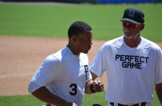 Padres pick catcher Luis Campusano at No. 39