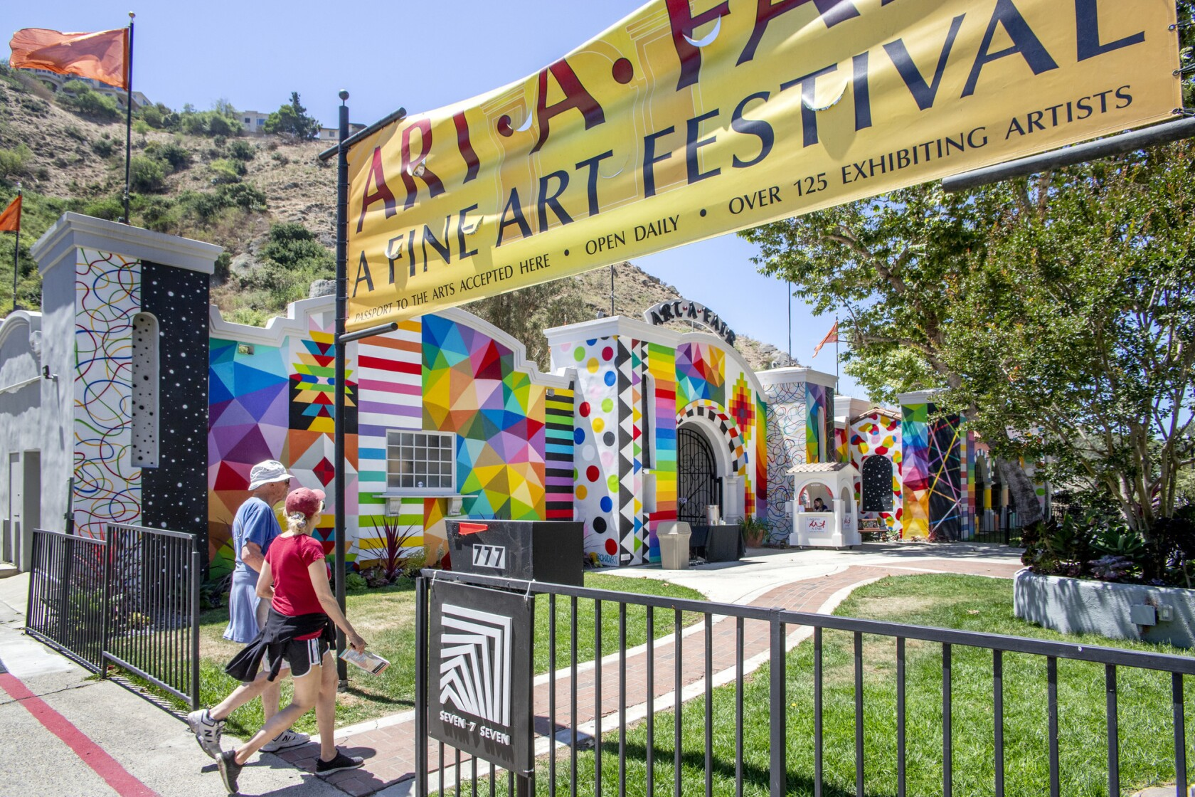 Art-A-Fair puts on a colorful show in Laguna Beach - Los
