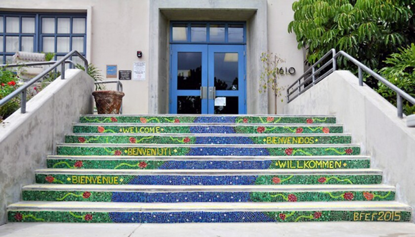 New glass mosaic welcomes Franklin Elementary students, guests