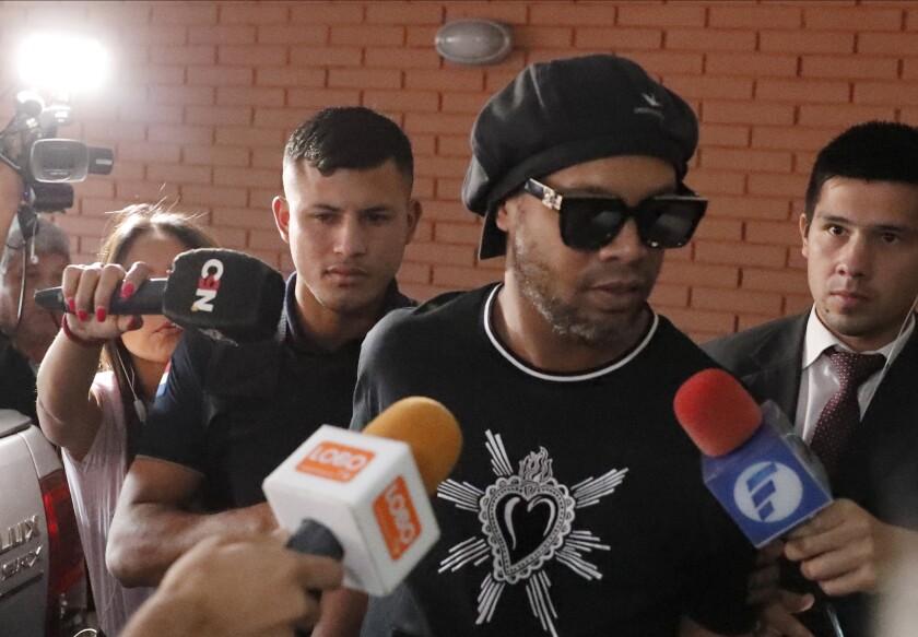 Paraguay Brazil Ronaldinho Detained