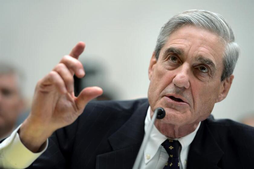 La condena a Pinedo en un tribunal de Washington llegó tras alcanzar un acuerdo de culpabilidad con el equipo de Robert Mueller (c), el fiscal especial que investiga la trama rusa sobre la supuesta coordinación entre la campaña del ahora presidente, Donald Trump, y el Kremlin en los comicios de 2016. EFE/Archivo