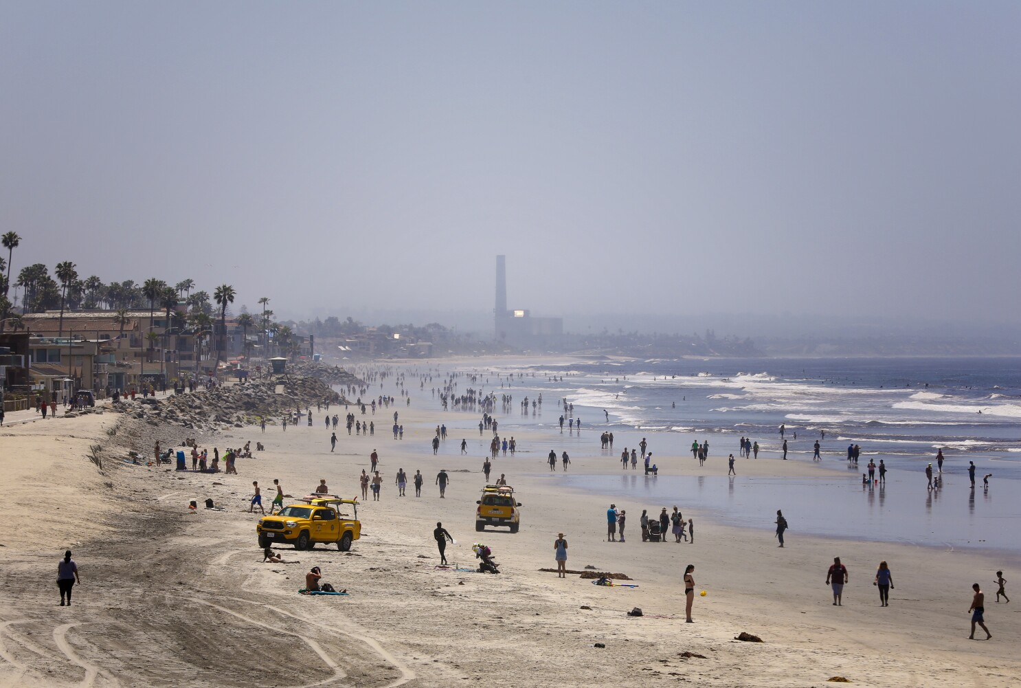 San Diegans Get Back To The Beach Cautiously On Closely Watched Opening Weekend The San Diego Union Tribune