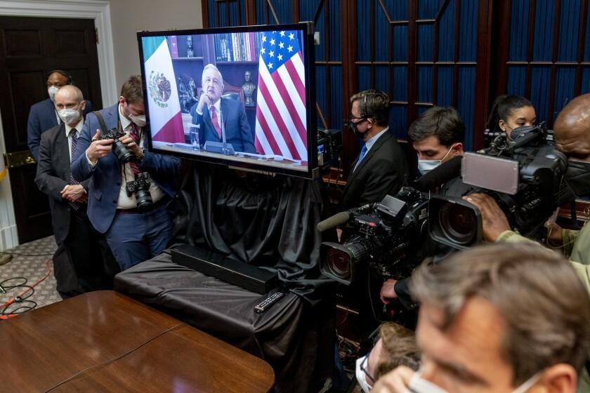 El presidente estadounidense Joe Biden sostiene una reunión virtual con su homólogo mexicano