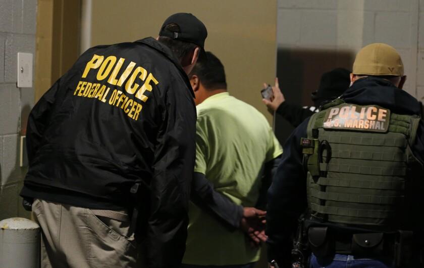 Se estima que Estados Unidos cuenta con poco más de 12 millones de personas indocumentadas en el país.