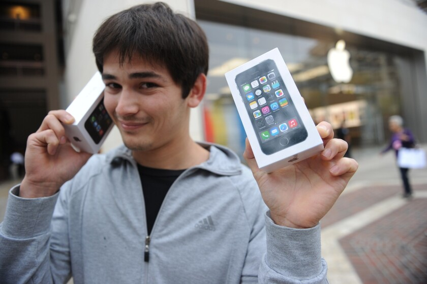 A report this week says iPhone 5s owners use more data than owners of other devices.