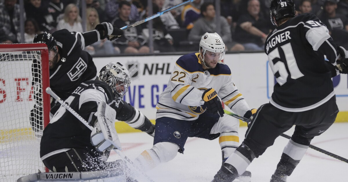 Kings shoot plenty of blanks as scoreless streak grows in loss to Sabres