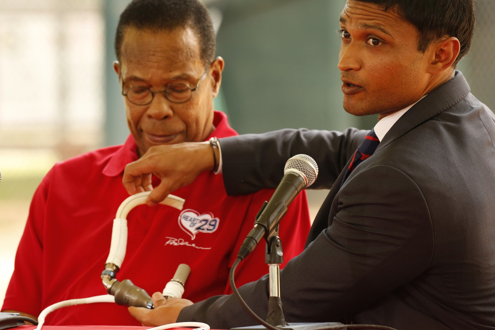Rod Carew works to promote organ donation after receiving the