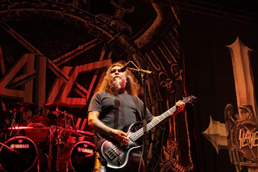Slayer, una de las bandas más legendarias del metal extremo, se encuentra liderada por un chileno, Tom Araya; su presencia fue particularmente celebrada en este masivo evento.
