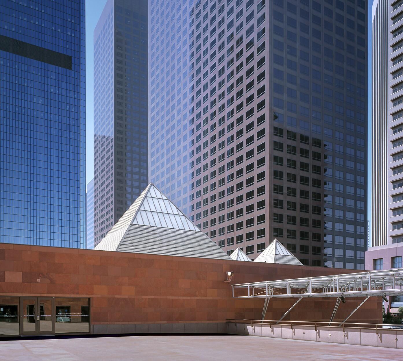 Arata Isozaki The Japanese Architect Who Designed Moca